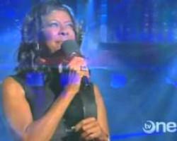 Natalie Cole - Angel on My Shoulder